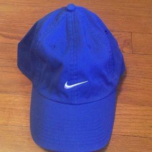 Nike adjustable hat.